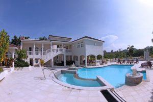Villa-Pool-P4-300x200